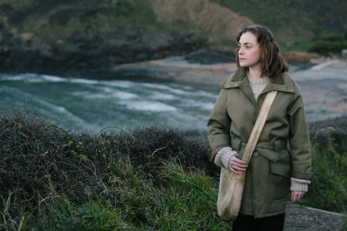 Stills for The Sculptress in Cornwall starring Cassi Compton playing Barbara Hepworth and directed by Alex Bailey. Edward, Bishop, Chapters, People, freelance, unit, stills, photographer, portrait, photography, crew, commercials, promos, film, drama